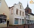 Object 55, Vrijstaand huis met 2 woningen en een winkelpand in het centrum van Weener